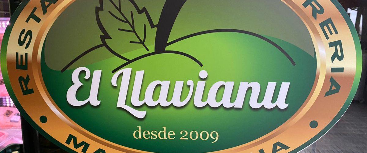Maquinaria de hostelería en la cocina de El Llavianu